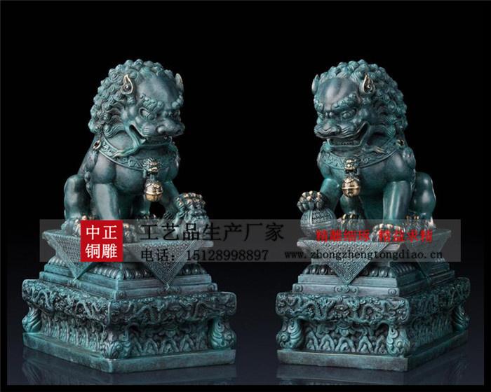 銅獅子是百獸之王有著辟邪的作用,而在古代獅子雕塑就成爲了震懾宅邸、禁壓不詳之物的代表。