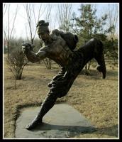 人物醉拳銅雕塑